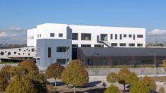 Fachada ventilada ULMA en el Centro Ocupacional APANID: estética rotunda y altas prestaciones energéticas